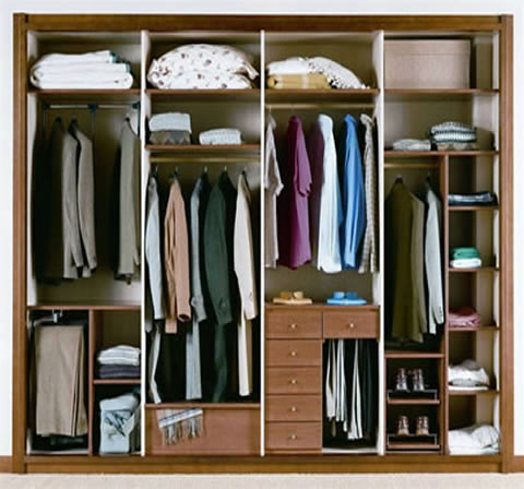 Interiores de armarios empotrados for Distribucion de armarios empotrados por dentro